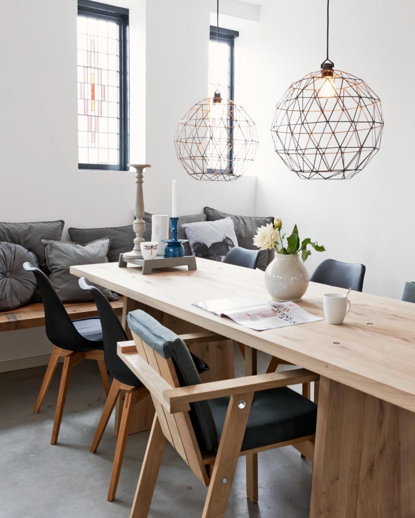 Monochrome Ruangan Bernuansa Hitam Dan Putih Yang Simple