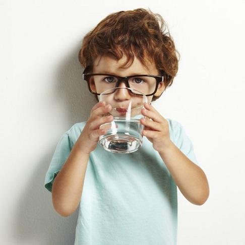 7-keajaiban-minum-air-putih-saat-perut-kosong
