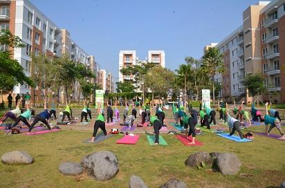 10-manfaat-olahraga-yoga-bagi-tubuh