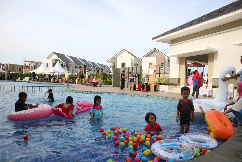 Family Weekend Getaway Summarecon Emerald Karawang